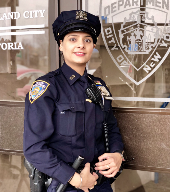 bb0aed300aa Off-Duty Police Officer From the 114th Precinct Saves Motorcycle Crash  Victim on the BQE